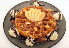 Waffle with praline and banana